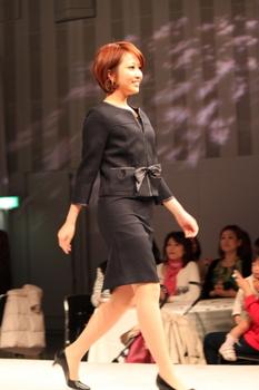 IMG_4997イオン セレブレイトスーツ2011 発表会.JPG